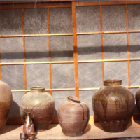 Tamba pottery, view 02., pots in a shop window